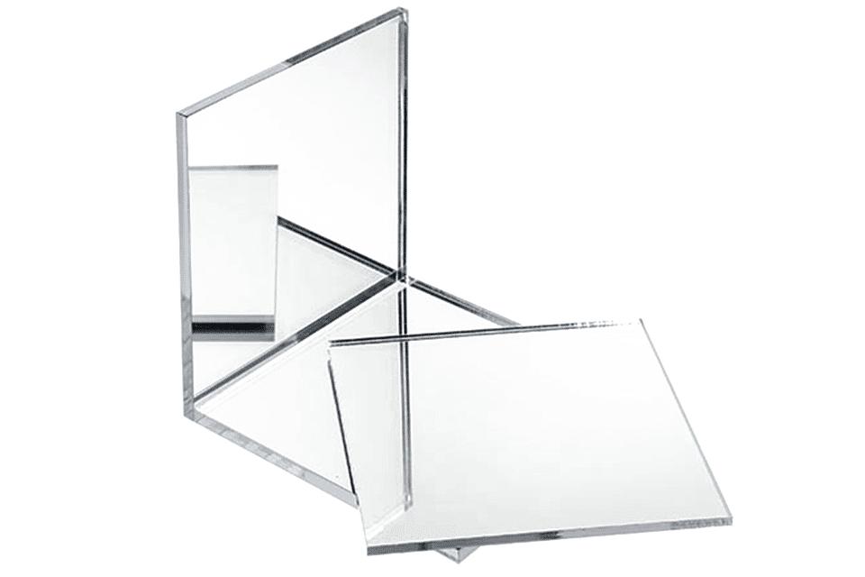 Plexiglas, un inlocuitor al sticlei